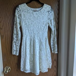 Everly white lace dress S